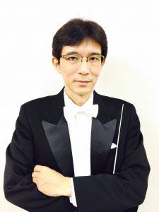 指揮者:桑田歩氏